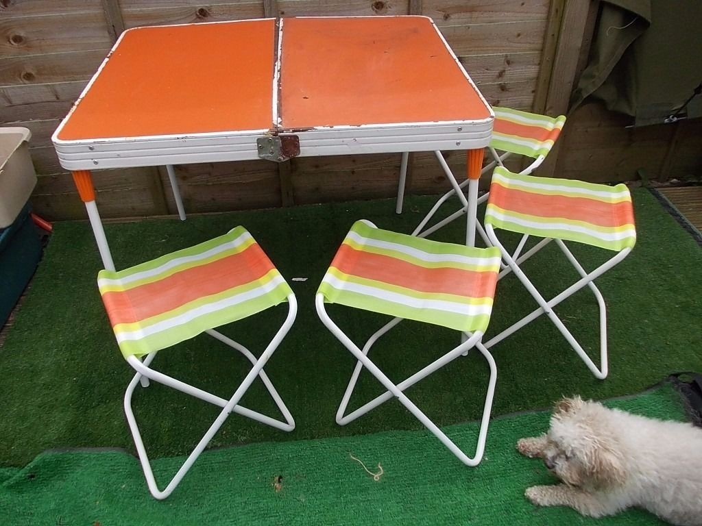 picking a camping table